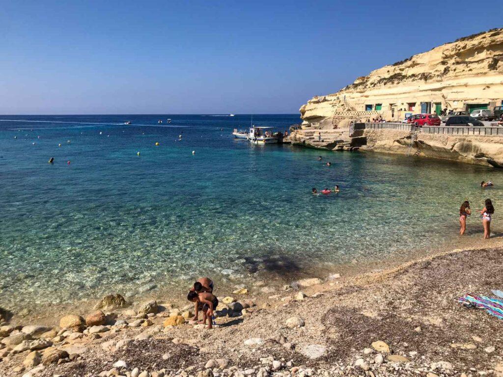 plaże na Gozo Daħlet Qorrot